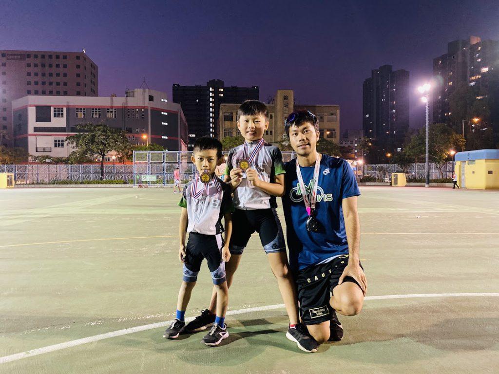 全港兒童單車大賽 2019-2020 第四回合得獎運動員與教練合照